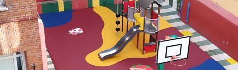 Reformado el castillo del patio de infantil
